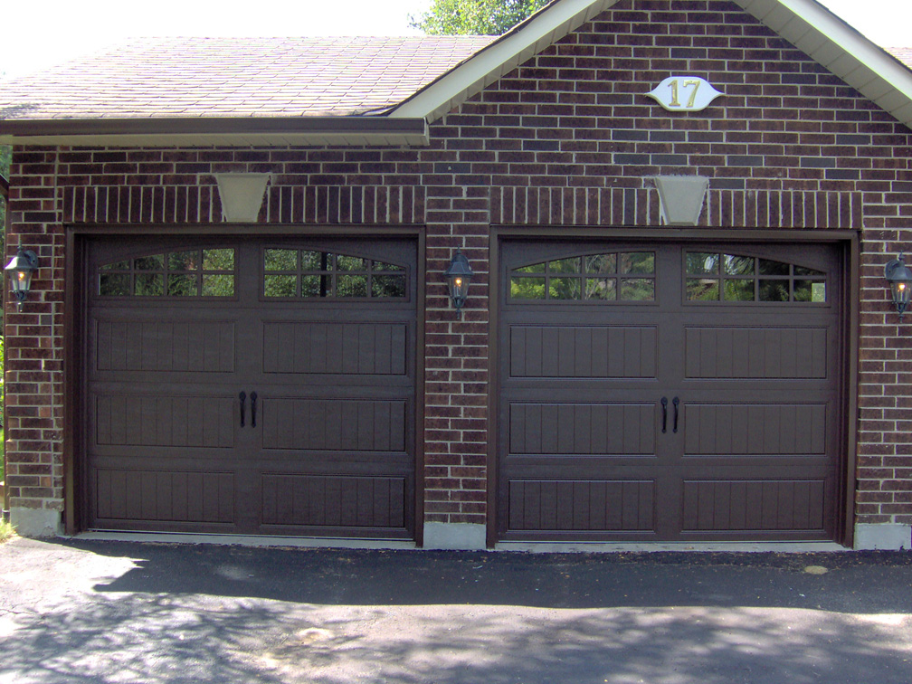 Clopay aurora overhead door for Clopay garage door colors