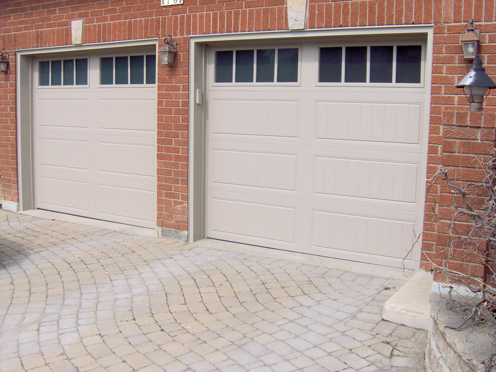Clopay aurora overhead door for Clopay garage doors